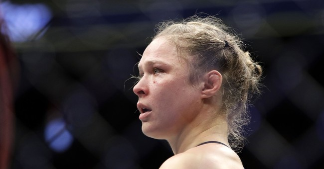 Rousey's WWE deal gets ex-UFC star back in bright spotlight