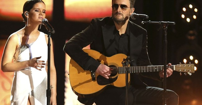 Country artists deliver tribute to concert attack victims