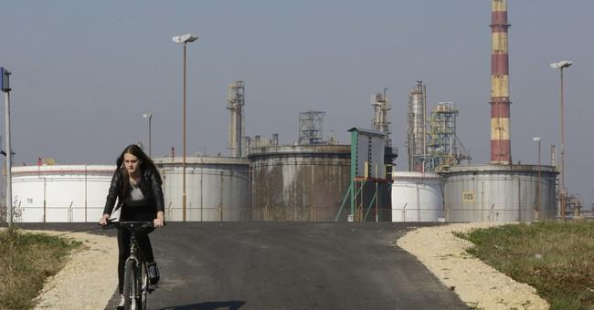 Bosnia oil refinery blast kills 1, injures 10