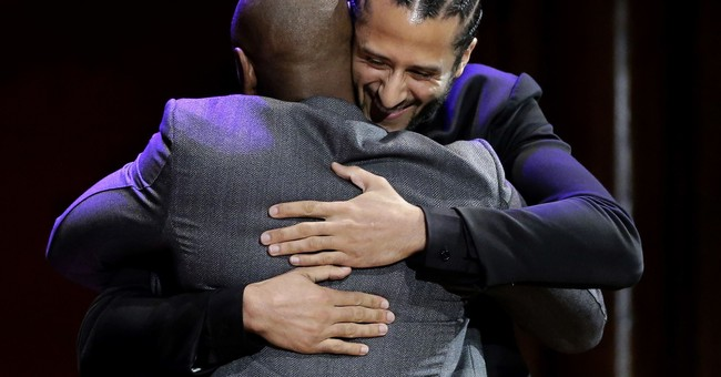 49ers apologize for leaving Kaepernick photos out of gallery