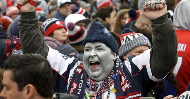 Thousands of fans give Patriots a super sendoff