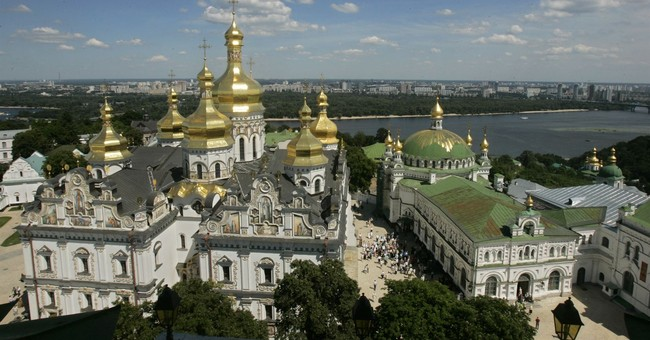 New Ukraine church brings fears of violence