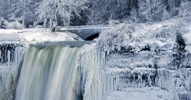 Cold turns Niagara Falls into icy winter wonderland