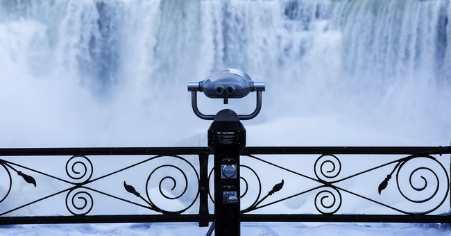 Cold turns Niagara Falls into icy winter wonderland