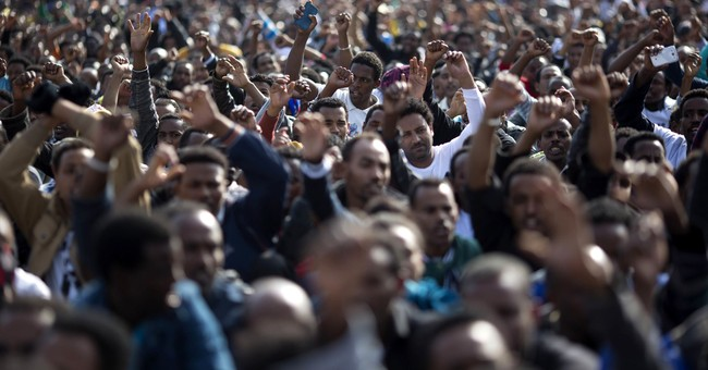 Israelis protesting pending deportation of African migrants