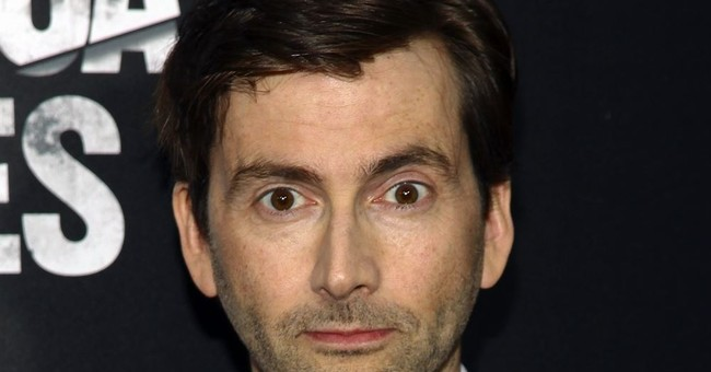 UK actor Tennant accepts damages over tabloid phone hacking