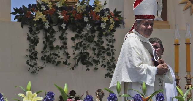 Pope sends sex crimes expert to Chile to investigate bishop