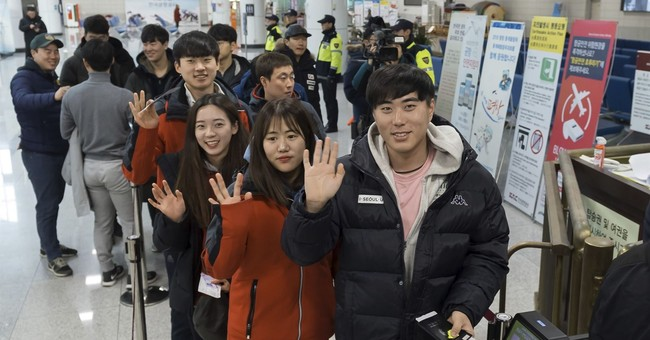 South Korean skiers arrive in North for joint training event