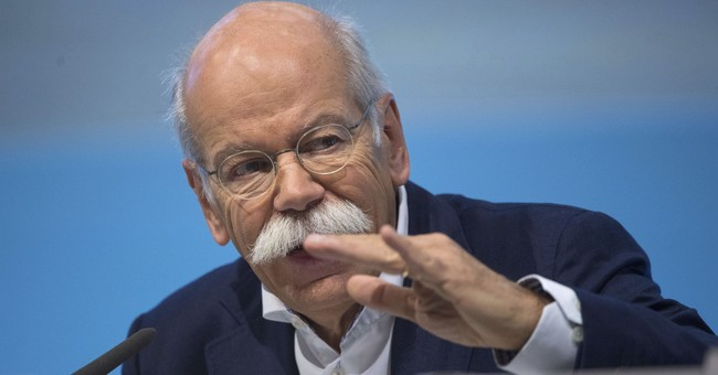 Profitable Daimler expects heavy spending on new tech