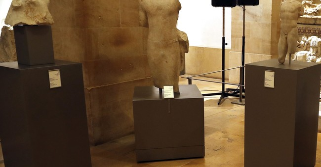 Lebanon displays stolen ancient artifacts returned from US