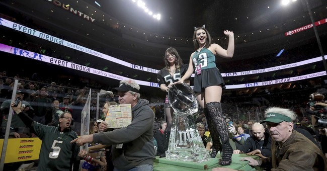 Molly Schuyler downs record 501 wings to win Wing Bowl