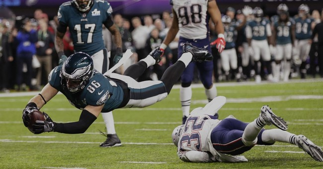 Foles' late TD pass leads Eagles to 1st Super Bowl title