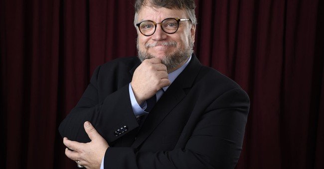 Del Toro says he didn't get Apatow quip about him at DGAs