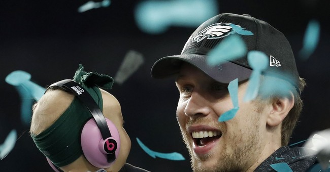 Matthew McConaughey hails Nick Foles in newspaper ad