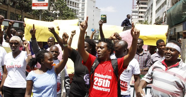 Kenya government allows 2 TV stations to resume broadcasting
