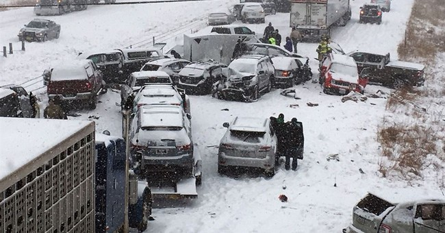 Snow causes hundreds of crashes; 5 killed on Missouri roads