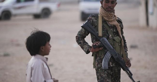 Saudi Arabia, at war with Yemen rebels, sends aid to nation