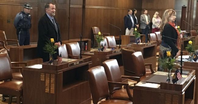 Oregon lawmaker resigning amid groping allegations