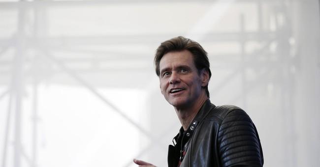 Jim Carrey says users should yank their Facebook accounts