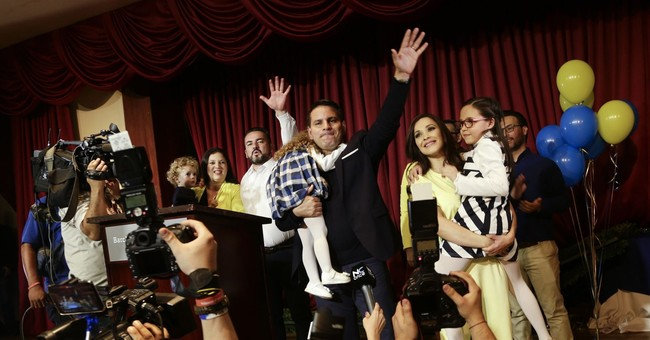 The evangelical singer who would be Costa Rica's president