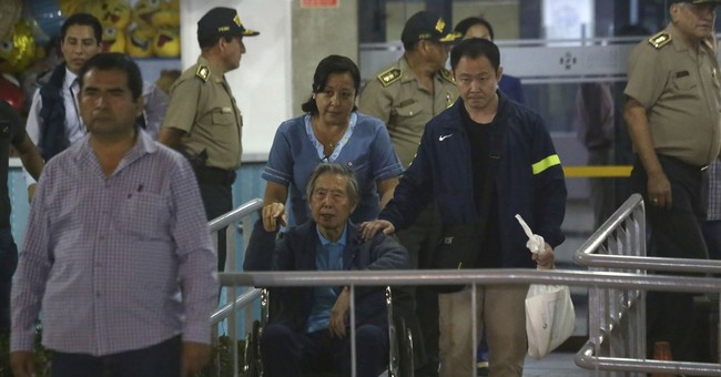 Former Peruvian strongman released from clinic after pardon