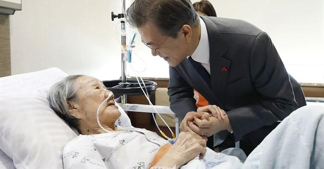 SKorea's leader apologizes to ex-sex slaves over Japan deal