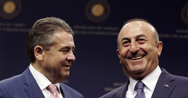 Turkish foreign minister seeks 'new beginning' with Germany