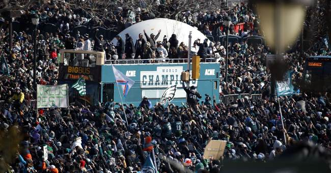 Police: 2 stabbed, officer assaulted during Eagles' parade