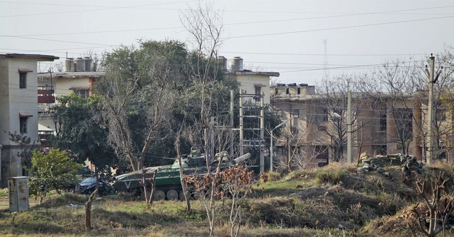 6 dead in militant attack on Indian army base in Kashmir