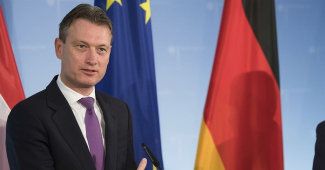 Dutch foreign minister admits lying about meeting with Putin