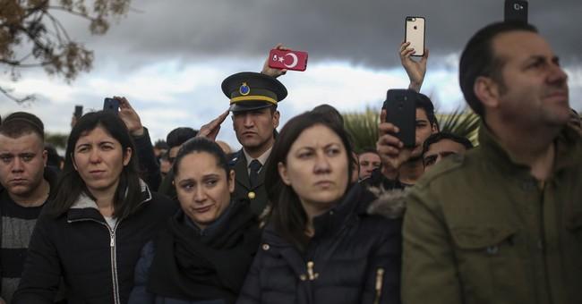 Turkish shelling near hospital in northern Syria kills 1