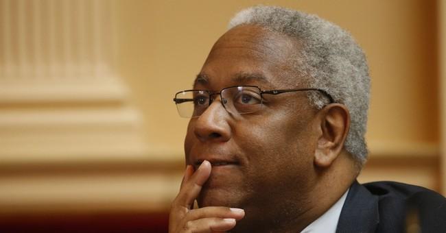 Despite complaints, Interior boss pushing big reorganization