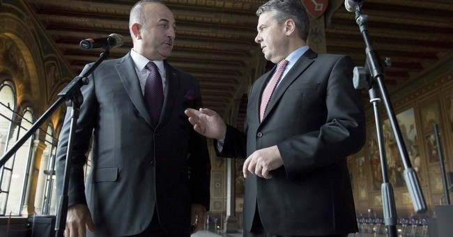 Germany, Turkey take small steps toward friendlier ties
