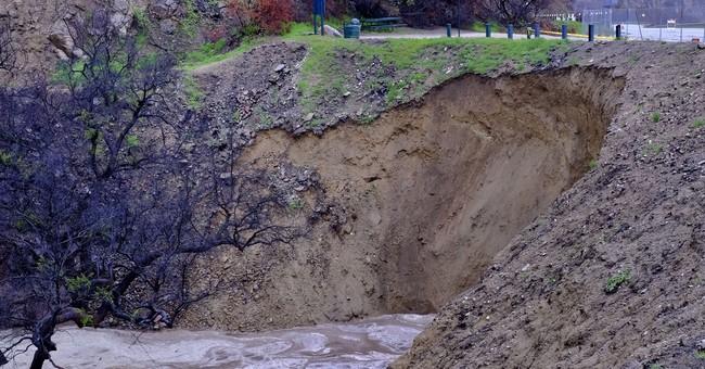 Southern California on guard as heavy rains raise mudslide risk