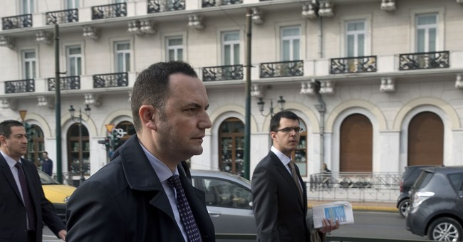 Senior Macedonia official in Greece for name dispute talks