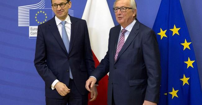 US VP Pence, Poland's PM exchange invites to visit