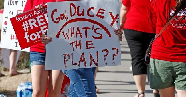 Arizona Teachers Union Plans 'Death March' to Protest Fall Semester