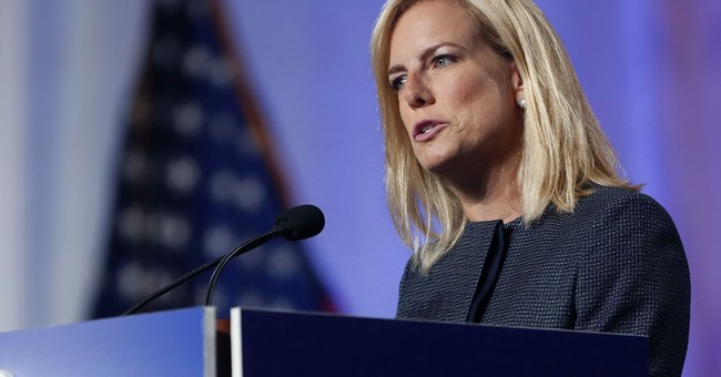DHS Chief Hits Back at 'Offensive&#39 Questions at WH Briefing