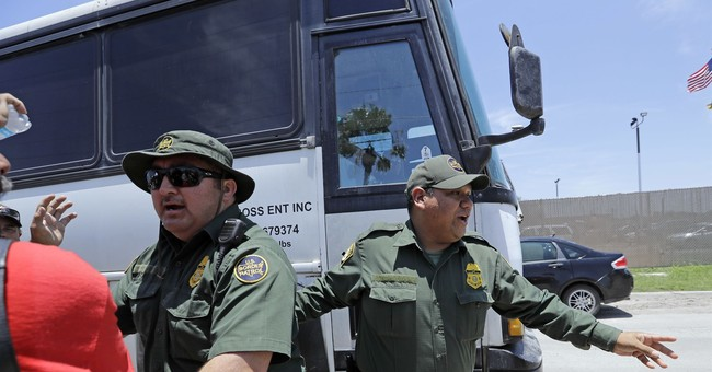Border Patrol Agent Breaks Ankle Amongst ICE Protesters