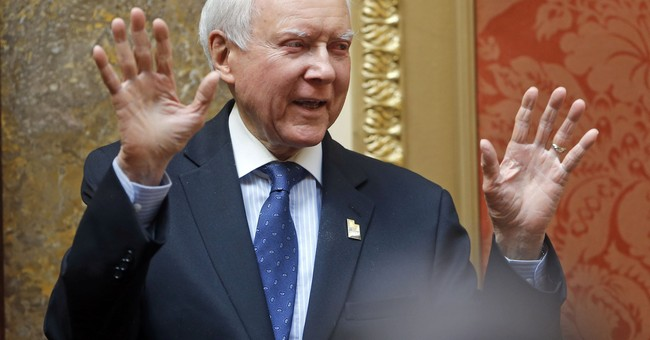 HA! Sen. Hatch Mocks Elizabeth Warren's DNA Test Results With An EPIC Tweet