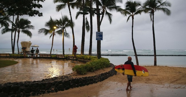 Special Agents Arrest Tourist in Hawaii After Social Media Pictures Show He Violated Quarantine