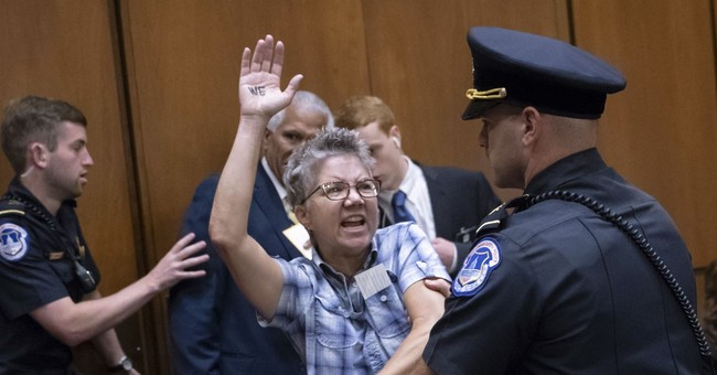 More Than 200 'Resistance' Protesters Arrested During Kavanaugh Confirmation Hearings