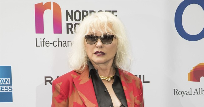 Blondie's Debbie Harry Calls Trump 'an Idiot,' But Swoons Over Fidel Castro and Che Guevara