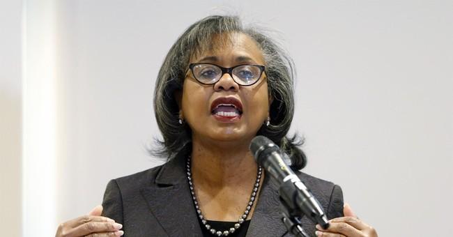 Anita Hill Vows to 'Hold Joe Biden Accountable'