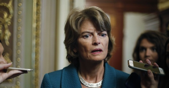 Murkowski Joins Republicans Who Are 'Likely' to Vote to Block Trump's National Emergency