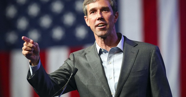 While Trump Hosts 'Angel Dad,' O'Rourke Tells Supporters They Have Nothing to Fear About the Border