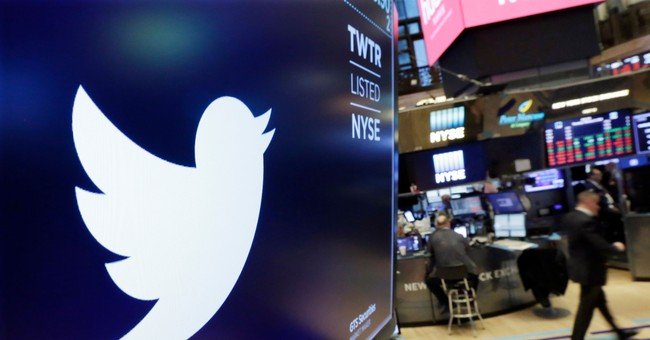 Conservatives Considering Regulating Google, Twitter