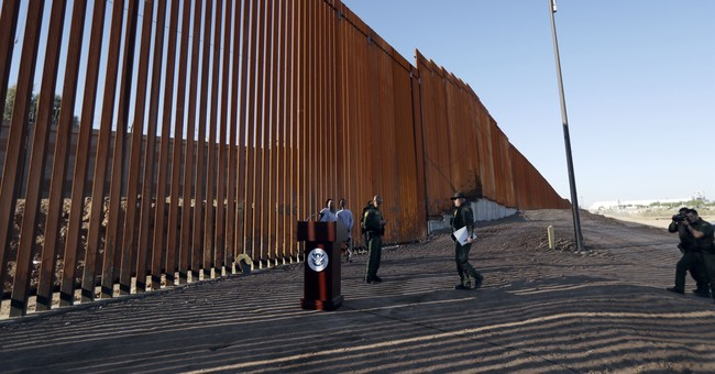 Private Group Builds a Border Wall in New Mexico