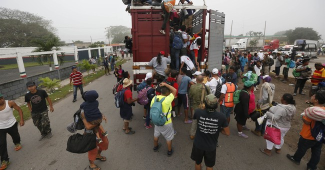 Mexicans PROTEST Central American Migrants as Thousands Arrive in Tijuana — CARAVAN CHAOS