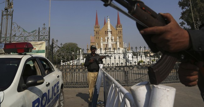 Tensions Rise in Pakistan and India, Threatening Nuclear War